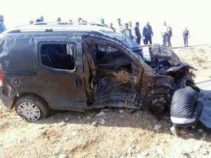 Erzurum'da düğün konvoyunda feci kaza: 2 ölü, 12 yaralı