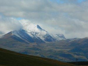 Posof'a mevsimin ilk karı yağdı