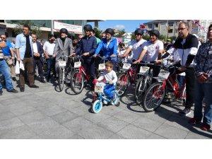 Avrupa Hareketlilik Haftası'nda Sultanbeyli'de yüzlerce kişi bisiklet turuna katıldı