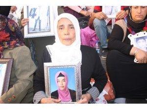 HDP önünde eylem yapan aile sayısı 20'nci günde 45'e yükseldi