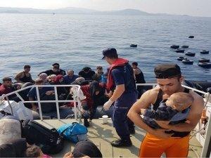 Kuşadası Körfezi'nde 30'u çocuk 85 düzensiz göçmen yakalandı