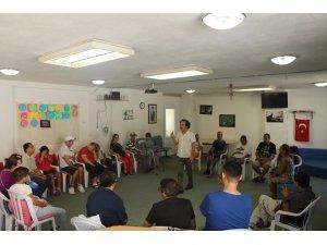 Kuşadası Belediyesi'nden engellilere drama eğitimi