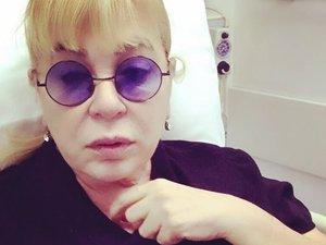 Zerrin Özer hastaneye kaldırıldı: Sosyal medyadan dua istedi
