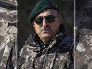 Dışişleri Bakanı Mevlüt Çavuşoğlu'dan Mehmetçik'e kamuflajlı moral pozu!