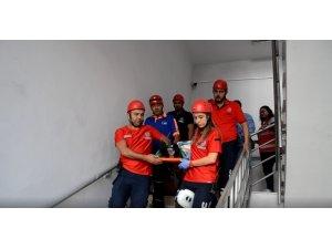 Eğitim ve araştırma hastanesi'nde deprem tatbikatı