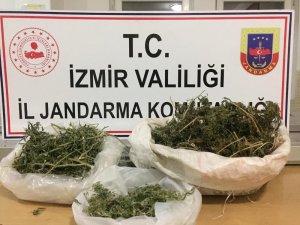 İzmir'de jandarmadan sahte içki ve uyuşturucu operasyonu