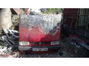 Bozyazı'da tamir için bırakılan araç kundaklandı