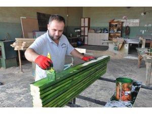 Toroslar, kent mobilyalarını kendi üretim atölyelerinde üretiyor