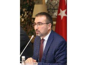 Hikmet Eren; ''Gelecek nesiller Mustafa Akıncı'yı lanetle anacaktır''
