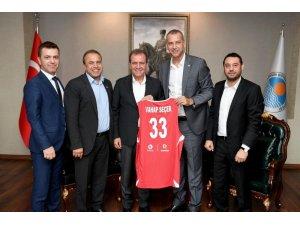 Mersin, Türkiye-Litvanya basketbol maçına hazırlanıyor