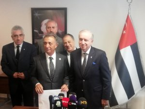 Ahmet Nur Çebi listesini verdi