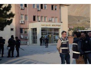 Hakkari ve Yüksekova belediye başkanları tutuklandı