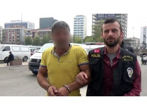 15 Temmuz Şehitler Köprüsü'nde yolu kapatan silahlı şahıs adliyeye sevk edildi