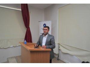 """Van YYÜ'de """"Mevlana'nın Gözünden Barış ve Hoşgörü"""" konferansı"""