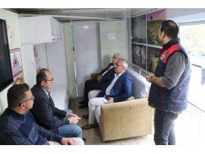 Vatandaşlara ve öğrencilere deprem eğitimi verildi