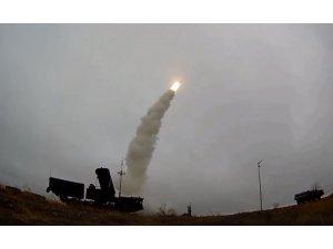 Rusya S-400 hava savunma sistemlerini ateşledi