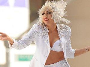 """Lady Gaga'dan röntgenli """"İyiyim"""" mesajı"""