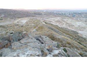 Kapadokya'da 2 bin yıllık Roma mezarları talan edildi