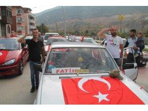 Modifiye tutkunlarından Mehmetçiğe destek konvoyu