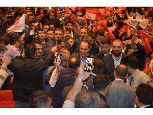 """Yeniden Refah Partisi Genel Başkanı Fatih Erbakan, """"Devletimizin ve Mehmetçiğin sonuna kadar arkasında durduk"""""""