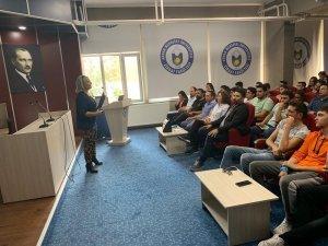 ADÜ Ziraat Fakültesi öğrencilerine öğrenci toplulukları anlatıldı