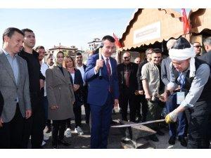 """""""Ankara Kalesi'ni canlı tutacağız"""""""