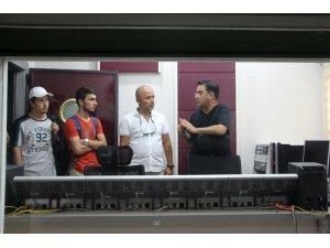 İletişim Fakültesi Öğrencilerinden TRT Antalya Radyosu'na ziyaret