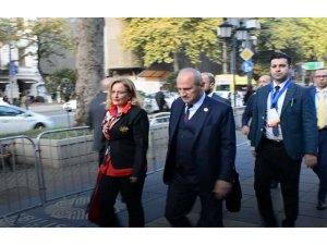 Bakan Turhan, İpekyolu Forumu'na katılmak için Tiflis'e geldi