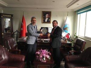 """Rektör Akgül: """"Belediyelerle işbirliğini güçlendiriyor"""""""
