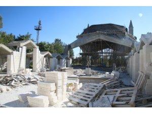 Şanlıurfa'da temeli atılan caminin inşaatı devam ediyor