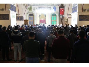 Uşak'taki tarihi camide Mevlit Kandili ihya edildi