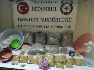 İstanbul polisinden uyuşturucu operasyonu: 22 kilo bonzai ele geçirildi