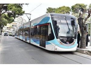 İzmir'de tramvayla taşınan yolcu sayısı 50 milyona ulaştı.