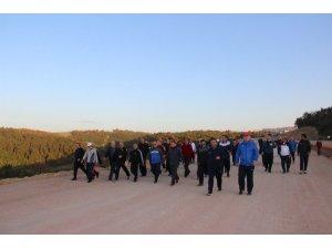 Körfezlililer İlimtepe'de sağlık için yürüdü