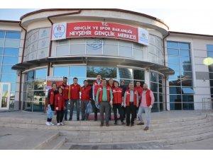 Kırmızı yelekliler daha temiz bir Nevşehir için izmarit toplama kampanyasına destek verdi