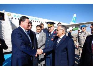 Kazakistan Başbakanı Askar Mamin Kayseri'de