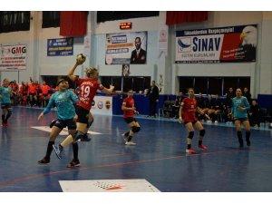 Avrupa Hentbol Federasyonu (EHF) Kupası: Kastamonu Belediyespor: 33 - Vaci NKSE: 26