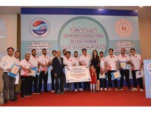 Türkiye'ye 49 uluslararası madalya kazandıran milli sporcular onur gecesinde buluştu