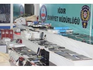 Iğdır'da kaçak cep telefonu operasyonu