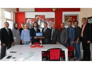 AK Parti Çanakkale teşkilatından MHP'ye 'hayırlı olsun' ziyareti