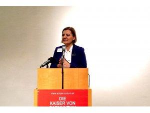 Başkan Hürriyet'ten Viyana'da İzmit daveti