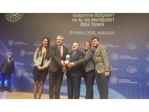 Ege-Teknopark ilk ödülünü Bakan Varank'tan aldı