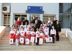 Jandarma, 'Dünya Çocuk Hakları Günü'nde öğrencileri konuk etti