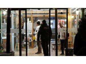 Restoran çalışanı dehşet saçtı: 1 ölü, 4 yaralı