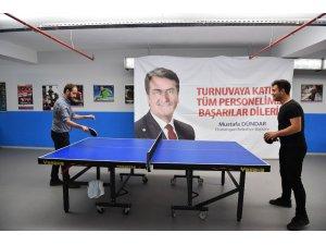 Belediye personelinin masa tenisi heyecanı