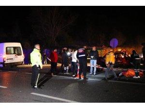 Sakarya'da feci kaza: 1 ölü, 4 yaralı