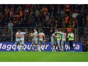 Başakşehir yenilmezliğini 10 maça çıkardı