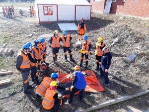 DPÜ AKUK üyelerine kurtarma ekipmanları tanıtıldı