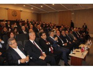 İzmir'deki 4. Bakırçay Ekonomi Zirvesi önemli isimleri buluşturdu