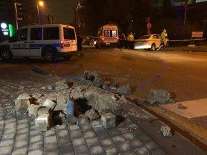 Başkent'te otomobil polis aracına çarptı: 2'si polis 3 yaralı